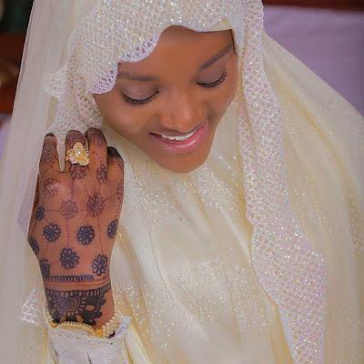Nigerian Muslim sisters