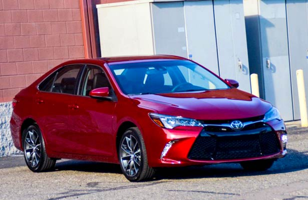 2017 toyota camry xse i 4 first test review motor trend. Black Bedroom Furniture Sets. Home Design Ideas