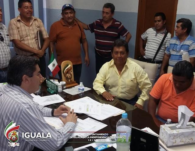 REUNIÓN TRANSPORTISTAS CON EL ALCALDE