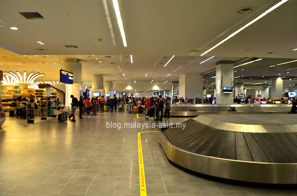 International baggage claim area at klia2