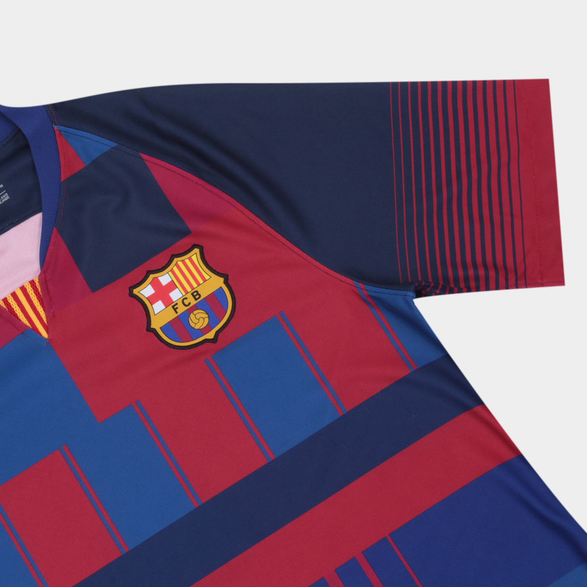 1c9109e6569 The right sleeve of the Barcelona 20 Years Mashup jersey is dedicated to  the 2013-14 home shirt.