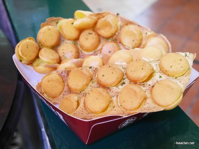 Wasabi flavoured egg puffs