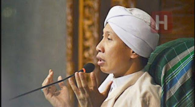 Karena Kinerjanya, Buya Yahya Doa'akan Jokowi Jadi Ahli Surga