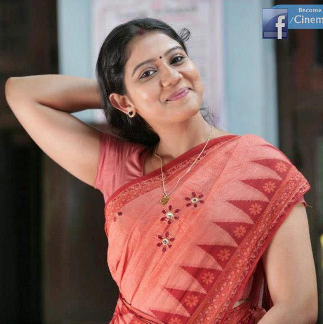 Veena Nair Tv Anchor: Rachana Narayanankutty Television Anchor And Actress Hot