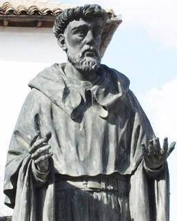 Foto del busto de Fray Luis de León