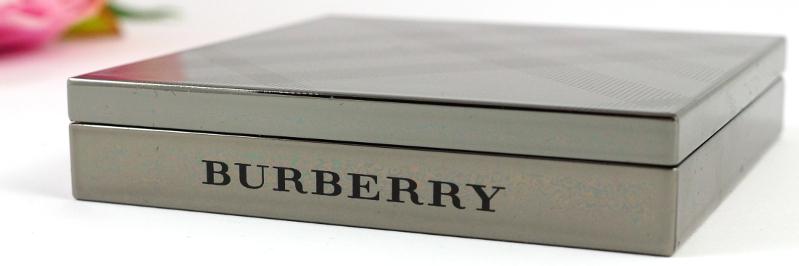 Burberry • Light Glow Natural Blush N° 04 Peony
