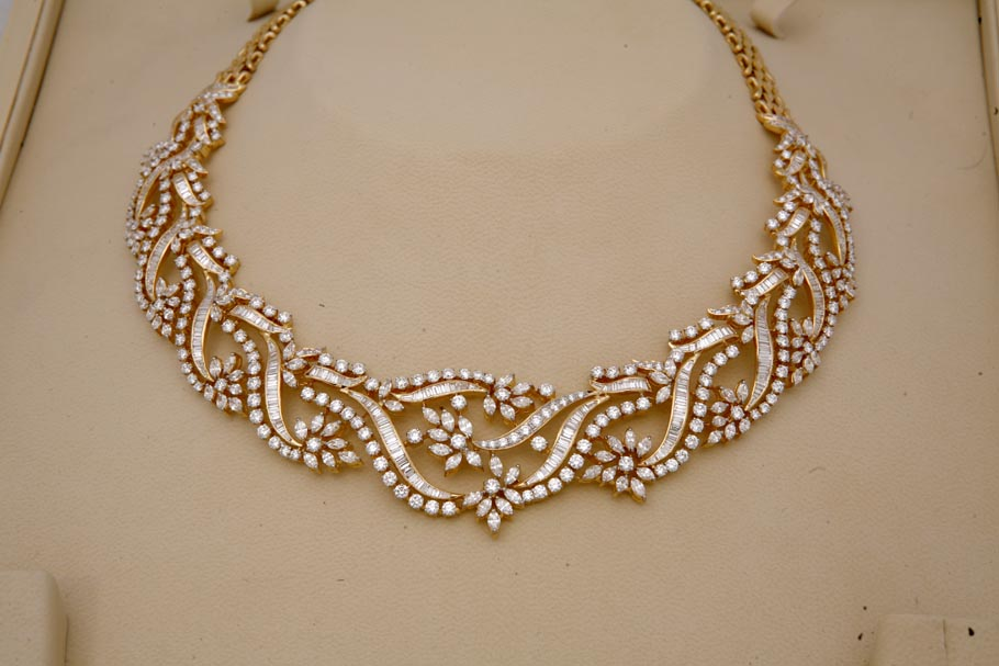 Women S World Diamond Necklace