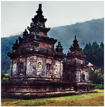 Kerajaan Hindu Tertua di Indonesia - Naga Pena