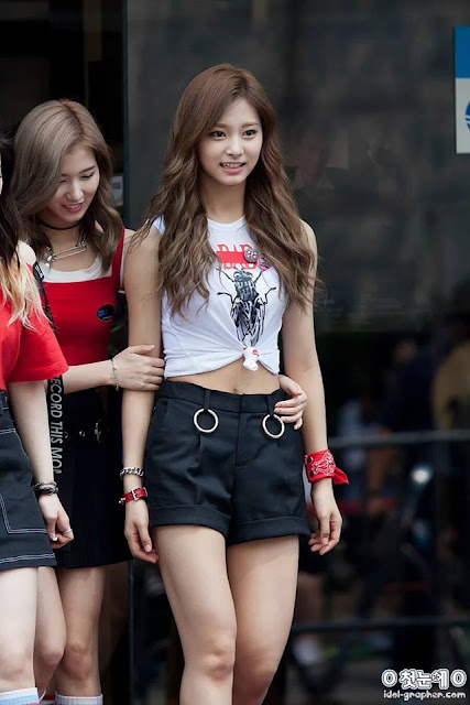 New Beautiful Tzuyu Pics  Daily K Pop News-2410