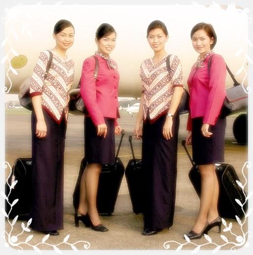 Contoh Baju Seragam Batik Sekolah: Contoh Model Seragam Pramugari Maskapai Airlines Indonesia