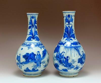 """<img src=""""Transitional Period vase .jpg"""" alt=""""pair blue and white vases """">"""