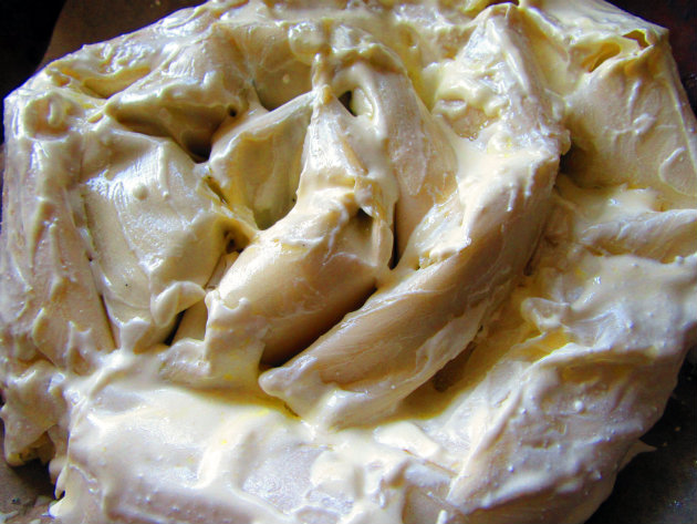 Filo pie with nettles and yoghurt by Laka kuharica: brush the rolls with yogurt and olive oil