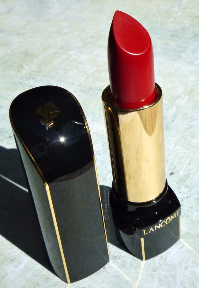 Review, photos and swatches of L'Absolu Rouge Définition Lipstick by Lancôme in Le Carmin (195)
