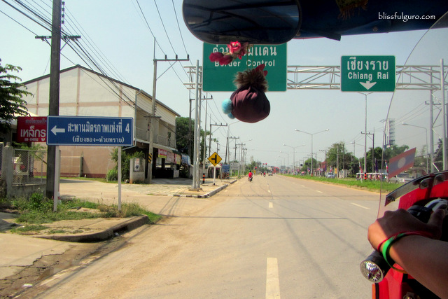 Chiang Rai Thailand to Houay Xai Laos by Bus Blog