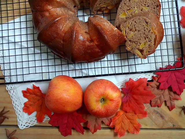 Bundt cake de vino, canela y manzana en CrockPot (olla de cocción lenta) Bizcocho, moscatel, recetas de otoño, horno, desayuno, postre, merienda. Cuca