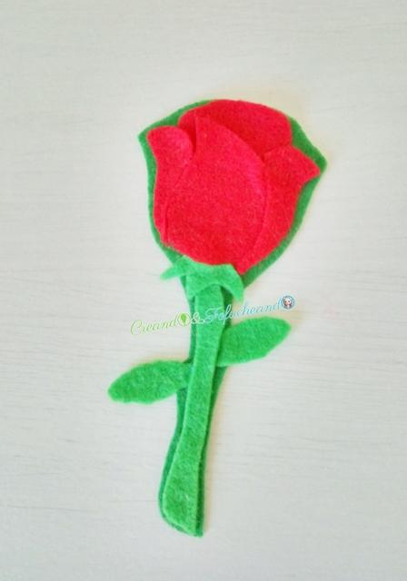 marcapáginas-de-rosa-3-ideas-para-hacer-marcapáginas-con-fieltro-creandoyfofucheando