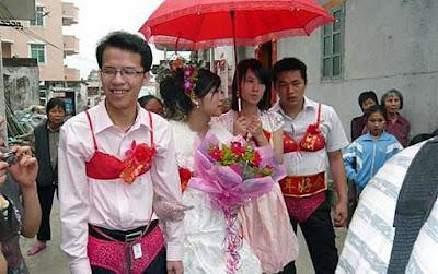Lustige asiatische Hochzeits Fotos