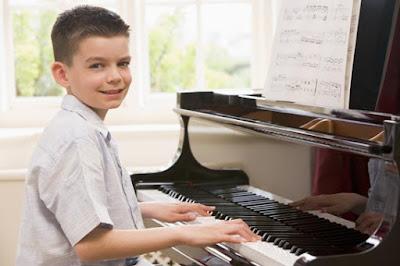 Trẻ bao nhiêu tuổi đã có thể học đàn piano