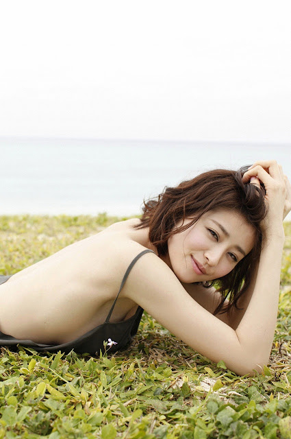 Suzuki Chinami 鈴木ちなみ Special Photobook