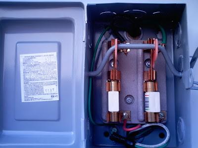 Instalaciones eléctricas residenciales - Interruptor principal de cuchillas y fusibles