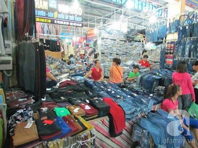 Nhiều mặt hàng được bày bán với giá cả khác nhau cho dù giống hệt nhau.