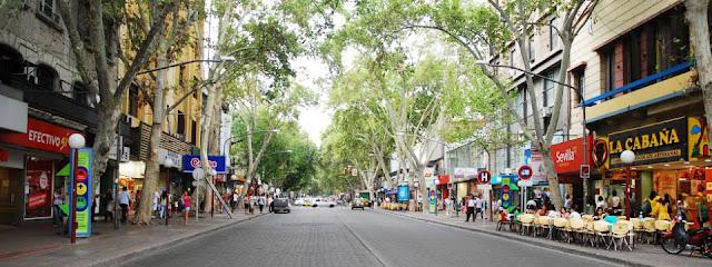 Avenida San Martín em Mendoza, Argentina