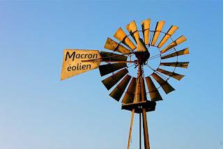 """Résultat de recherche d'images pour """"macron brasse du vent eolienne"""""""
