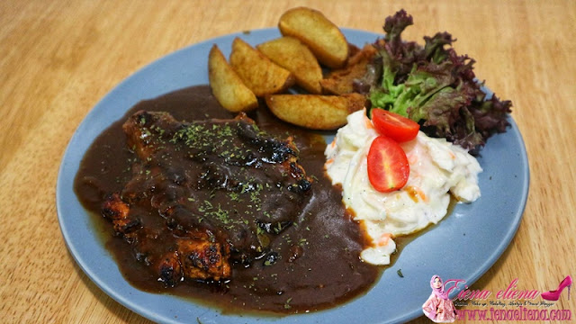 Grilled Chicken Chop With Black Pepper sauce