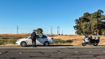 Bayar Denda Tilang di Tempat, Apakah Sah?, tilang polisi, traffic ticket