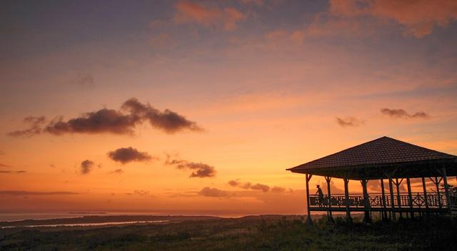 Sunset di Bukit Khayangan Golden hour, Pulau Tomia