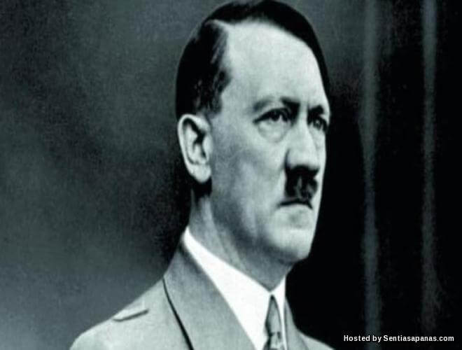 Hitler mati 1945