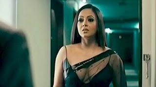 Sreelekha exposed in black saree