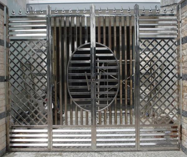 cổng inox 4 cánh đẹp - mẫu 14