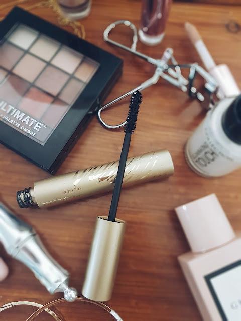 Make Up Flatlay, Beauty flatlay, cosmetics flatlay