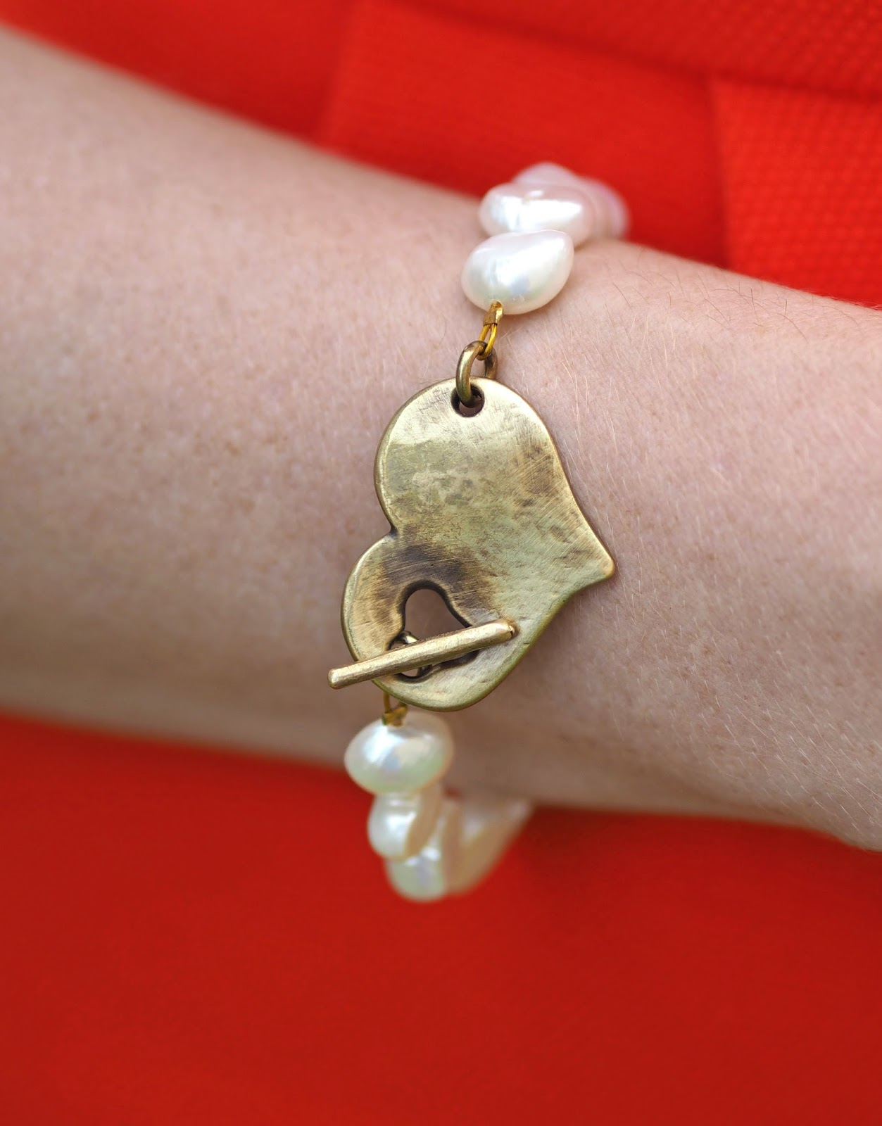Freshwater pearl and gold heart bracelet from Lizzy O