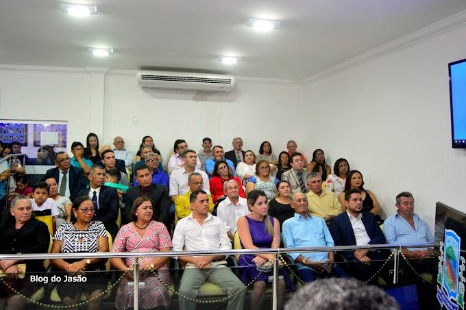 Imagens que marcaram a Sessão Solene para entrega de Títulos de Cidadão Camarense