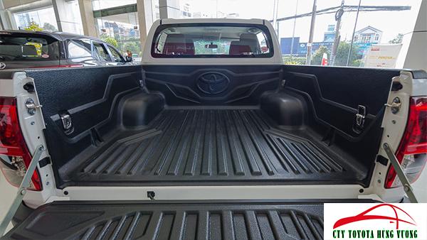 Giá xe, thông số kỹ thuật và đánh giá chi tiết bán tải Toyota Hilux 2018 nhập khẩu -  ảnh 19