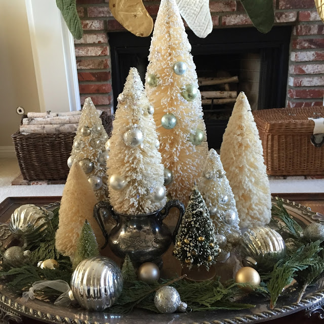 Maison de Cinq-Christmas Centerpiese-Treasure Hunt Thursday- From My Front Porch To Yours