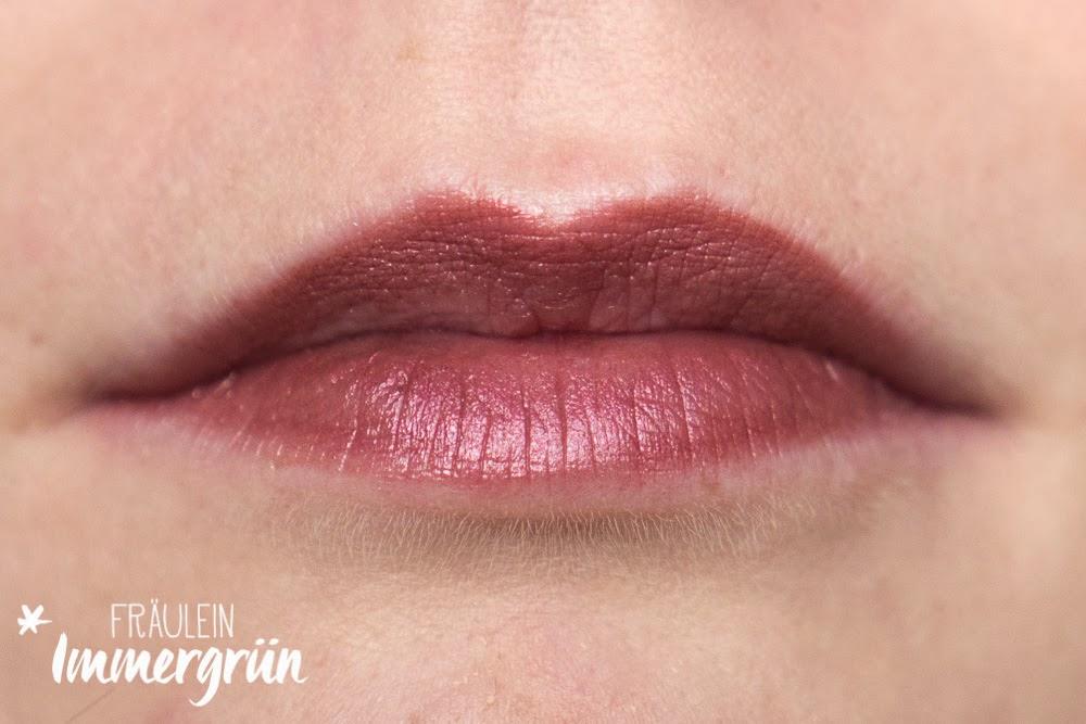 Lipstick 2 - dark red