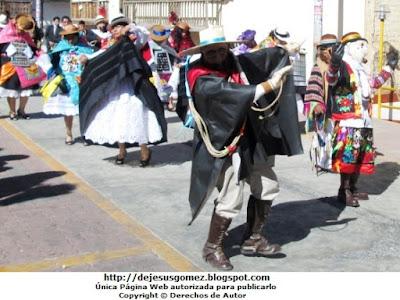 Foto de la Danza Tunantada en el Distrito de Santa Cruz de Andamarca - Huaral. Foto de Tunantada tomada por Jesus Gómez