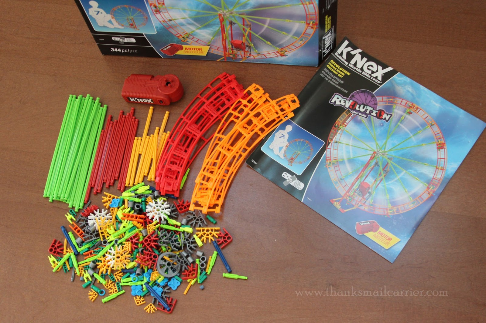 K'NEX ferris wheel pieces