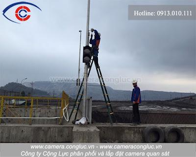 Luôn được trang bị đầy đủ các thiết bị, trang phục bảo hộ lao động đảm bảo cho quá trình lắp đặt an toàn chuyên nghiệp.
