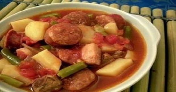 Easy Crockpot Pochero Recipe