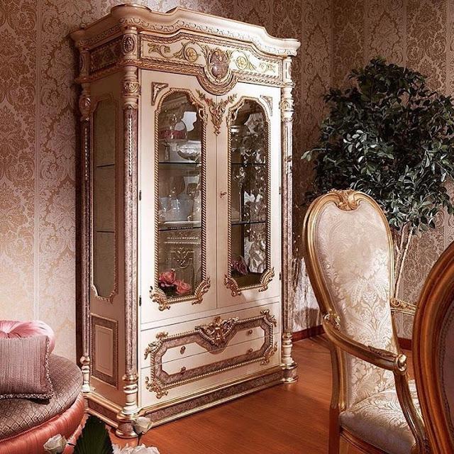 Luxury Classic Cabinet