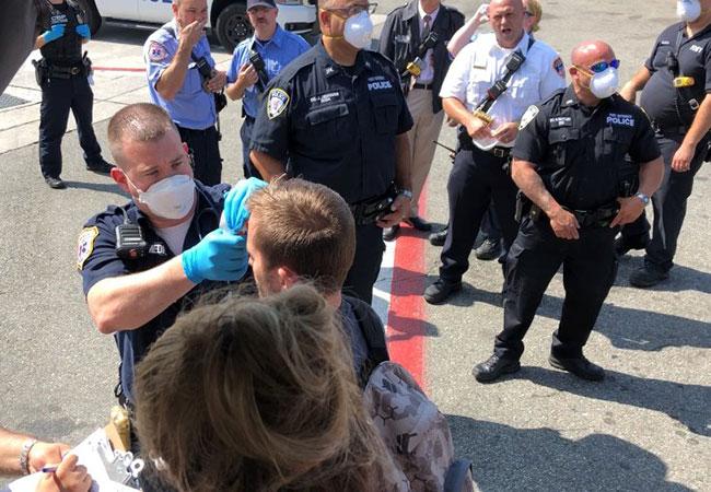 Penelitian Flight from Dubai quarantined at JFK after passengers reported ill
