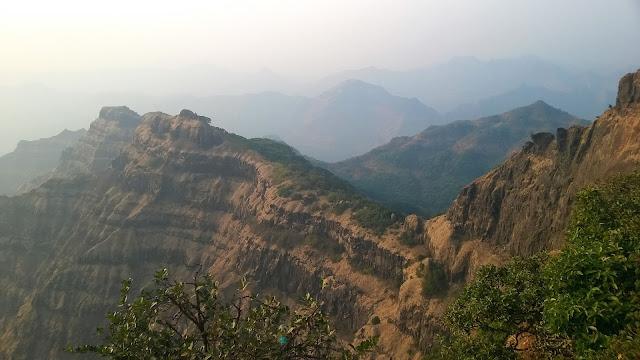 Mountain rocks, stratification, Arthur's seat