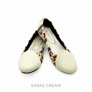 SARAS CREAM THE WARNA