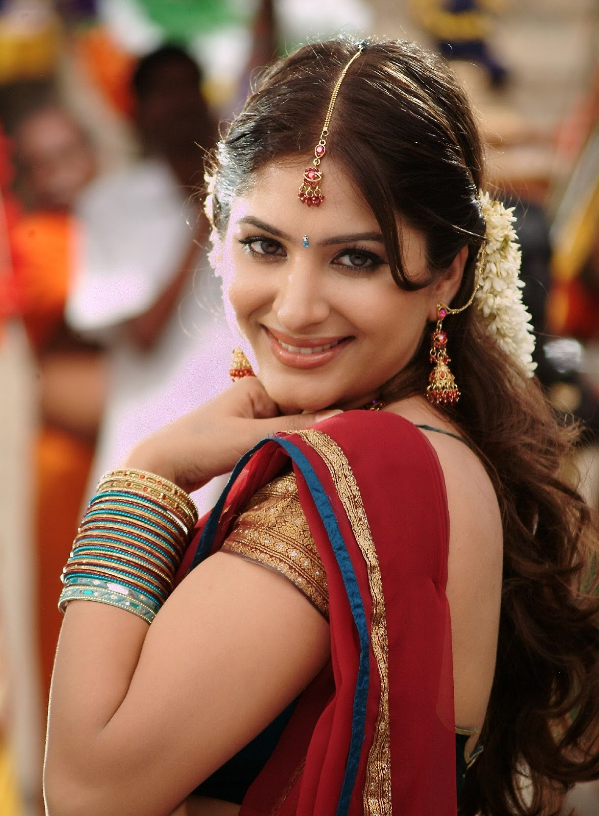 Gowri Munjal Beautiful In Traditional South Indian Getup