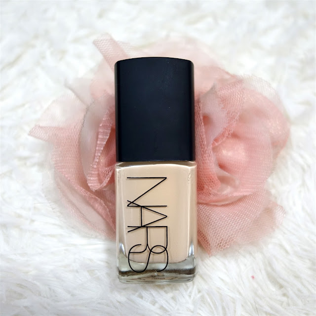 NARS Sheer Glow Foundation in Light 3 Gobi Review