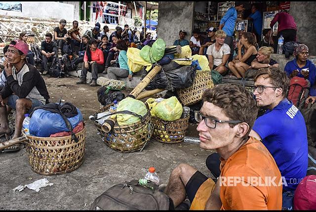 Panik Gempa Lombok, Bule-Bule Non Muslim pun Teriak Allahu Akbar di Rinjani
